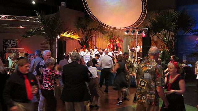 Hangar Hotel dance