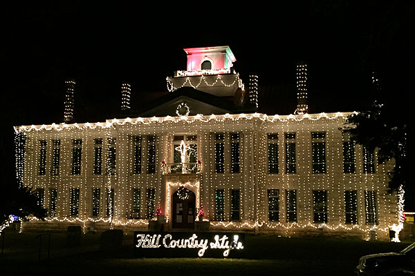 Christmas lights on the Johnson City courthouse